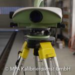 Eisenbahntypische Kalibrierungen - Messgleis Nivellliergerät